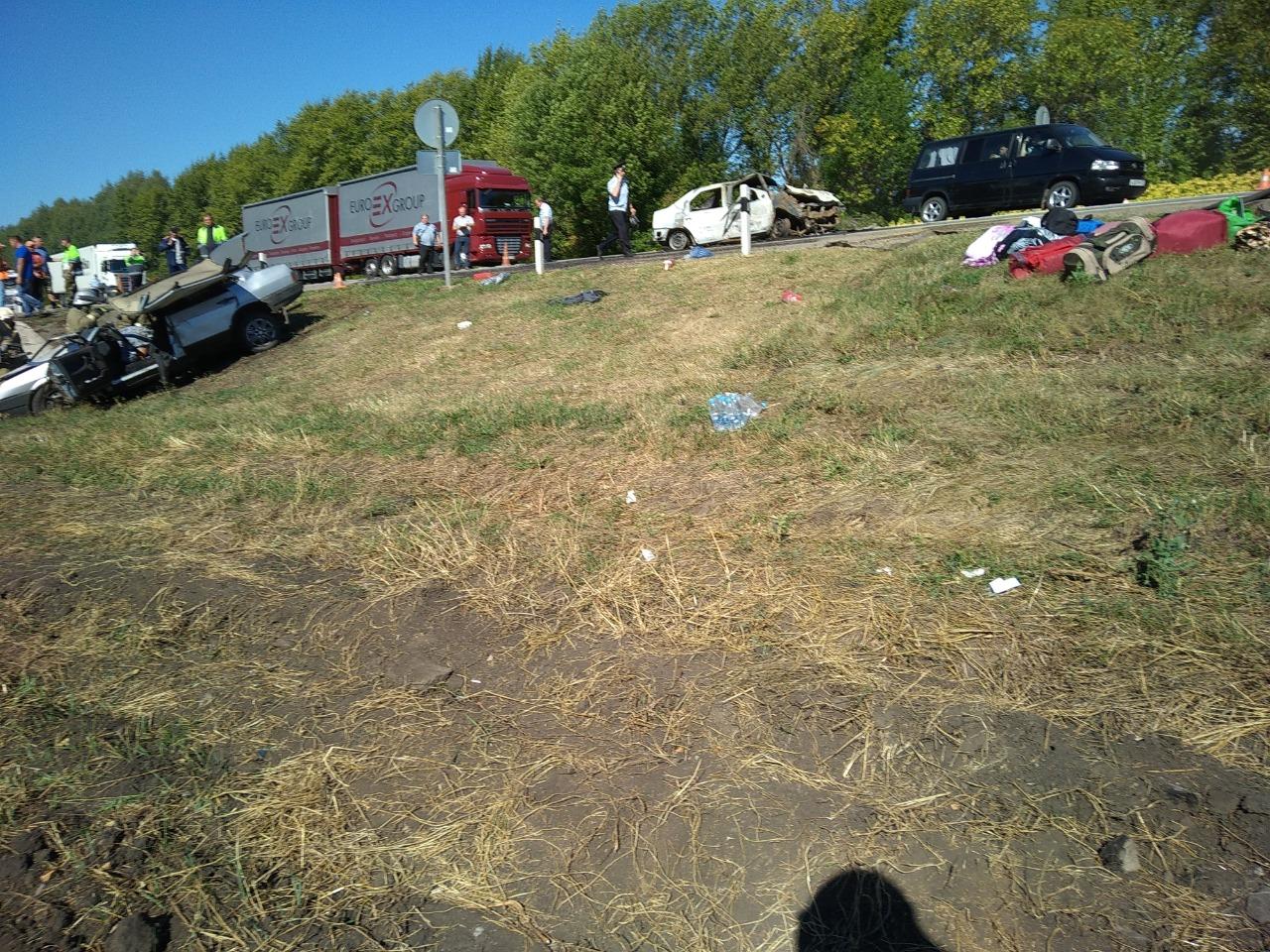 ДТП в Кирсановском районе: 5 человек пострадали, 1 погиб