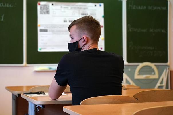 Минпросвещения не намерено переносить начало учебного года в школах