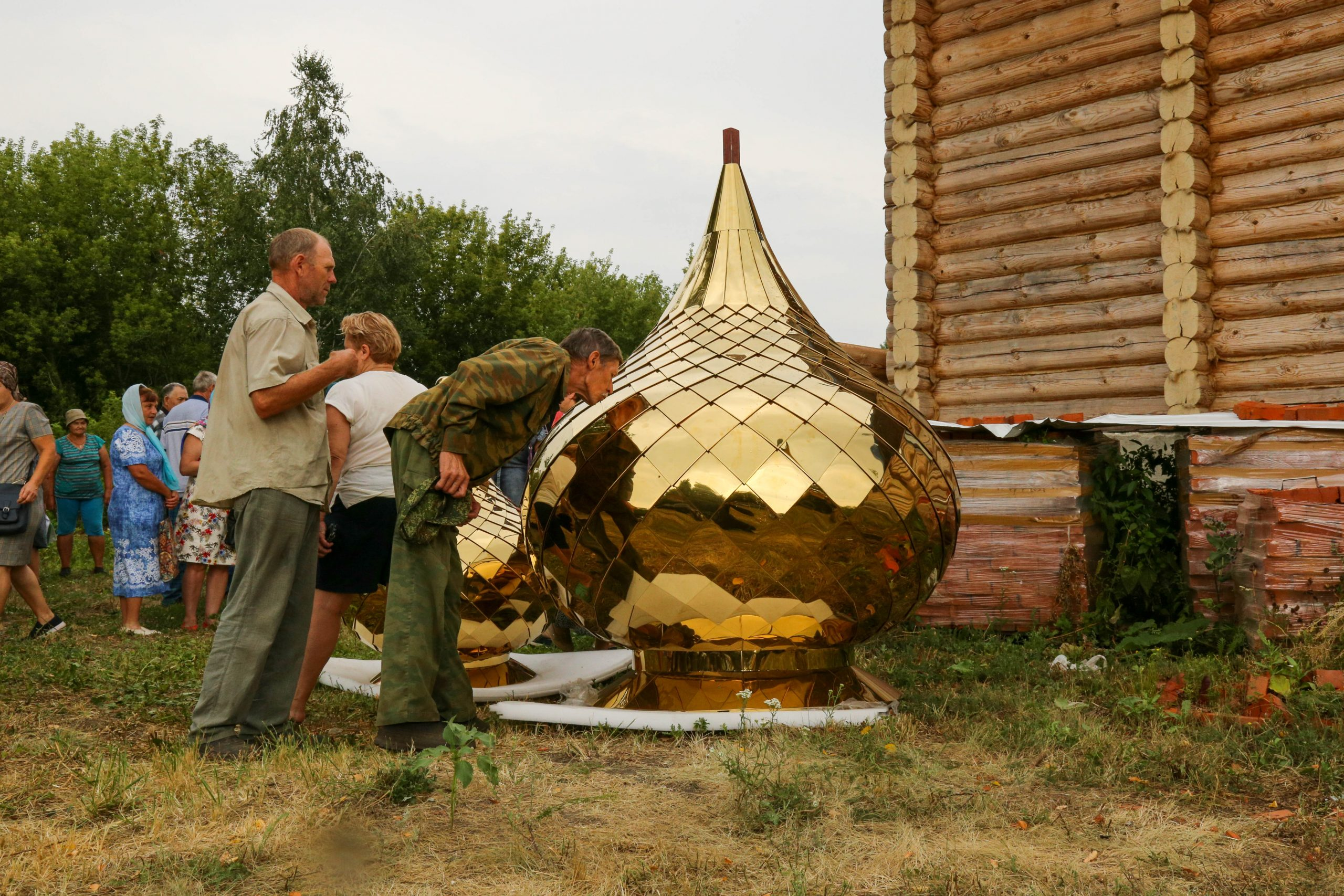 На строящийся храм в Инжавинском районе возвели купол