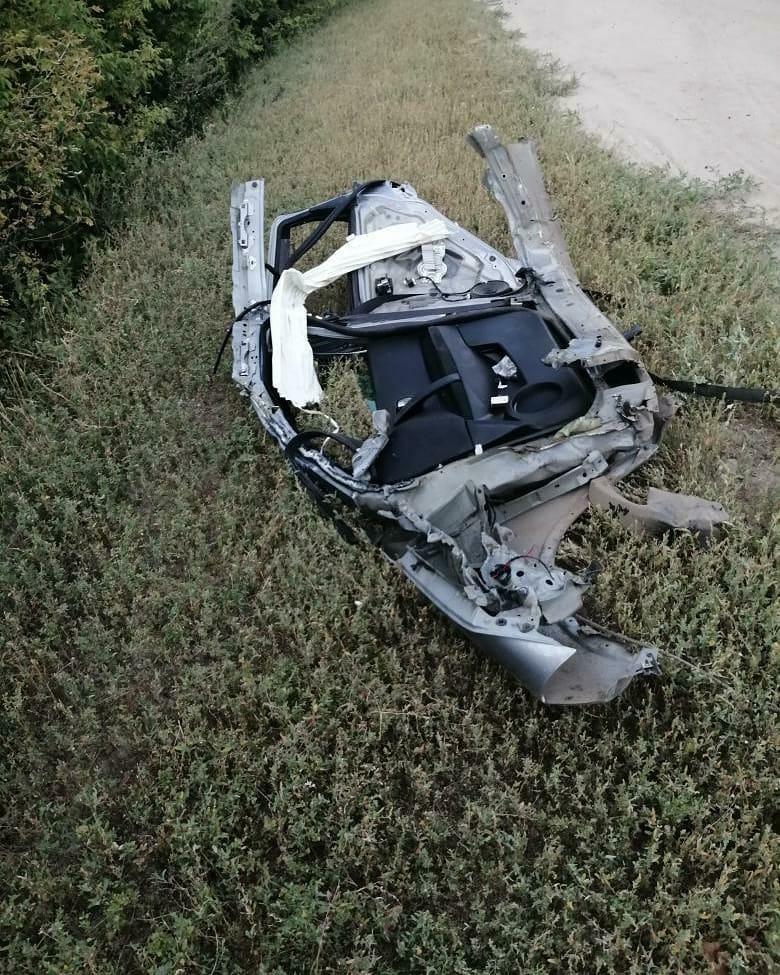 Под Тамбовом пьяный водитель протаранил столб и перевернулся