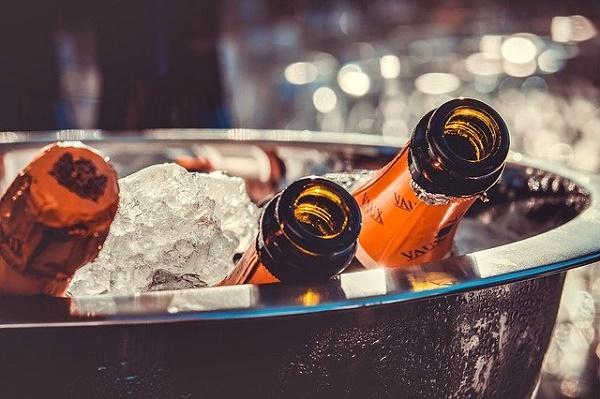 Россияне стали меньше тратить на алкоголь