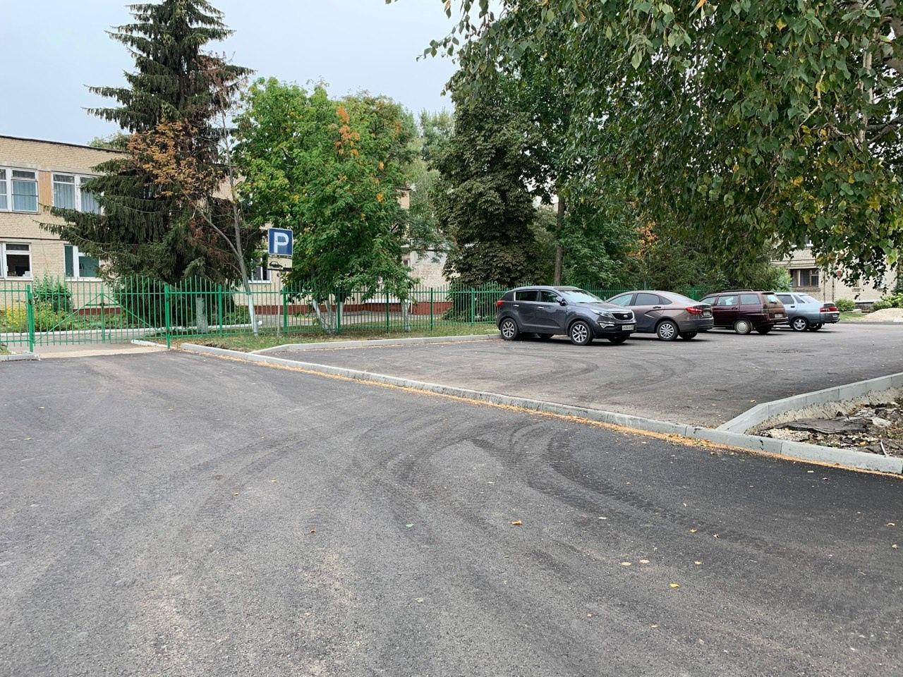 """У детского сада """"Ромашка"""" на западе Тамбова сделали парковку"""
