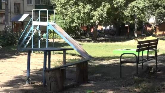 В 40 дворах Тамбова появятся новые детские игровые комплексы