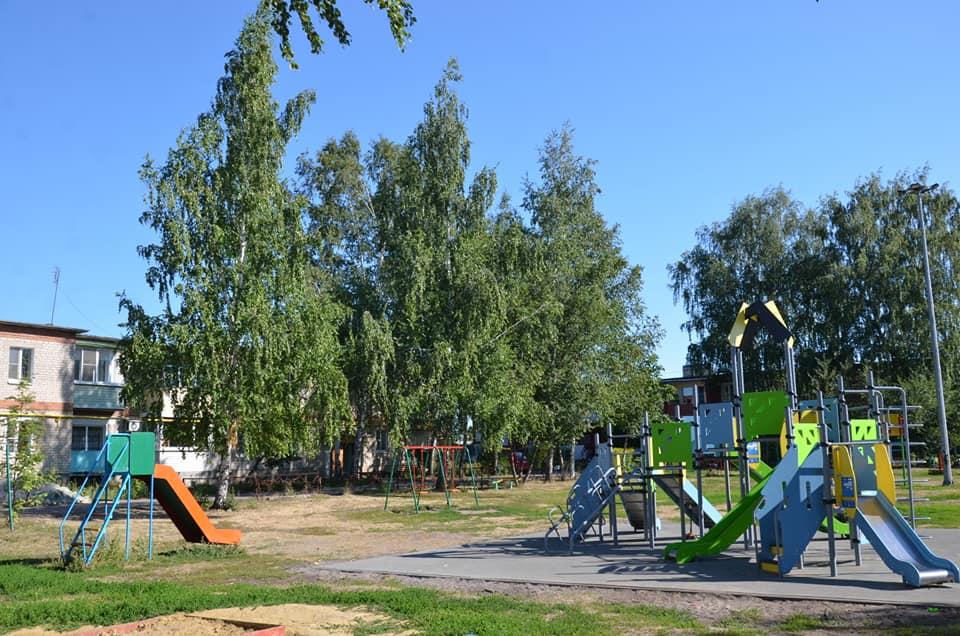 В Городском саду Рассказова установили две световые мачты