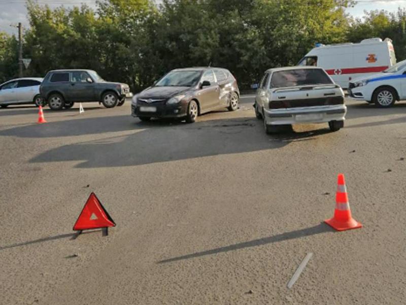 В Мичуринске столкнулись два автомобиля