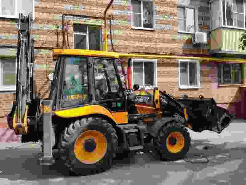 В одном из тамбовских дворов трактор сбил пенсионерку