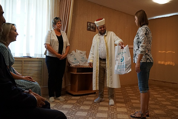 В Тамбове прошла церемония передачи продуктовых наборов