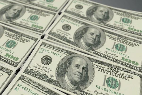 В Тамбовской области за полгода обнаружено 8 поддельных стодолларовых банкнот