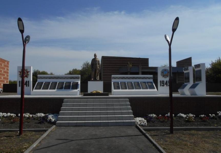 В Уваровском районе готовятся к открытию мемориального комплекса