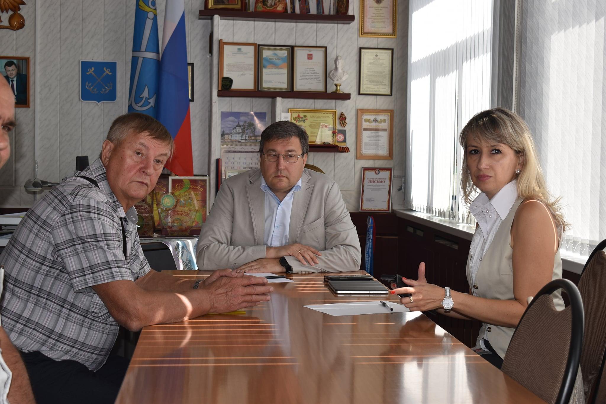 «Вопросы планомерно решаются»: руководство Тамбовской области пообщалось с сотрудниками завода «Моршанскхиммаш», которые не получают зарплату 4 года