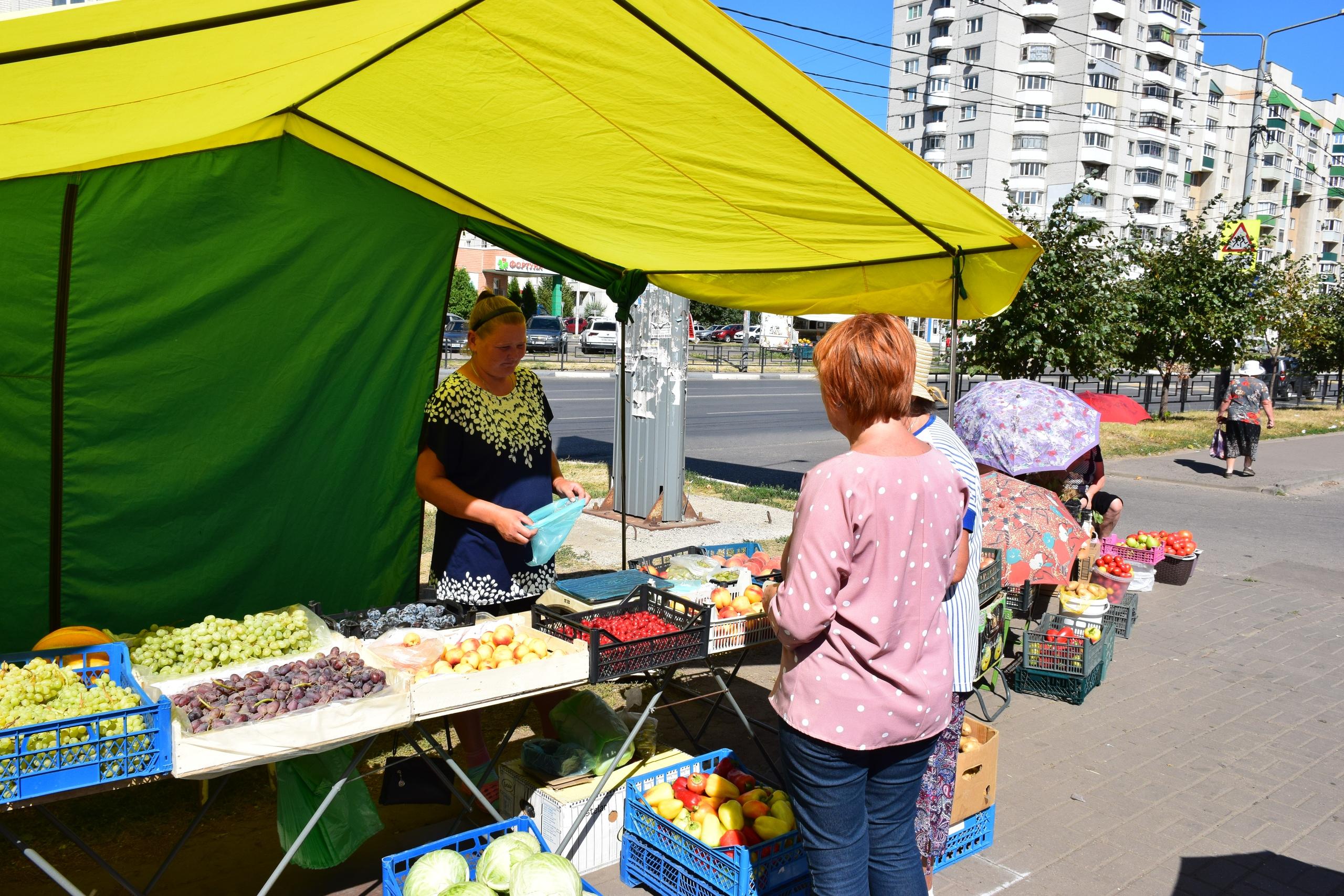 Ярмарочную торговлю на улице Чичерина взяли на контроль