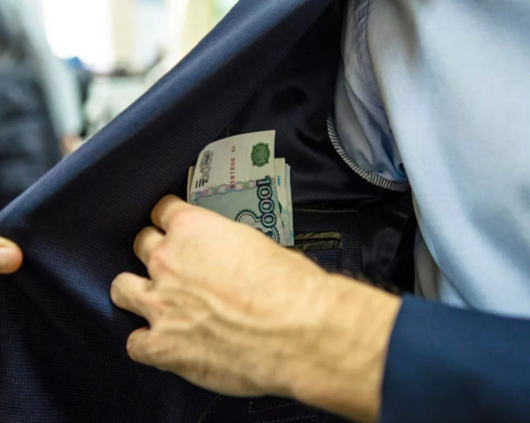 За дачу взятки сотруднику МЧС мужчина оштрафован на 280 тысяч рублей