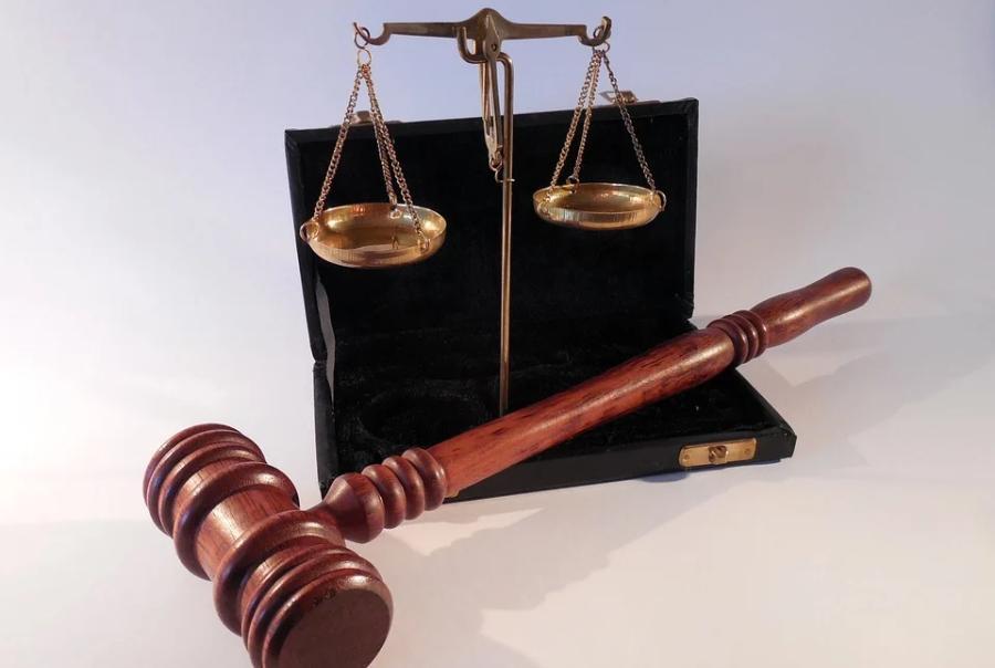 За взятку сотруднику МЧС директор фирмы оштрафован на 280 тысяч рублей