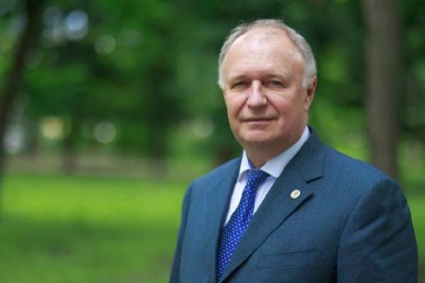 Алексей Плахотников сегодня отмечает день рождения