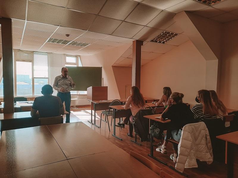 Доцент Тамбовского филиала РАНХиГС провёл тренинг по методике организации и проведения научной работы