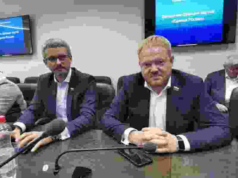 Два депутата облдумы «перейдут» в городскую Думу