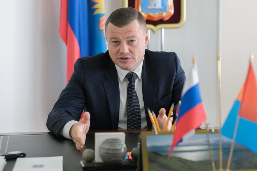Губернатор Александр Никитин поздравил тамбовчан с Днём знаний