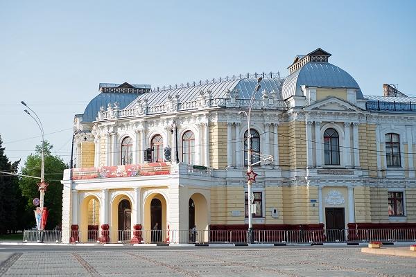 Минкульт попросил Роспотребнадзор увеличить допустимую заполняемость залов театров