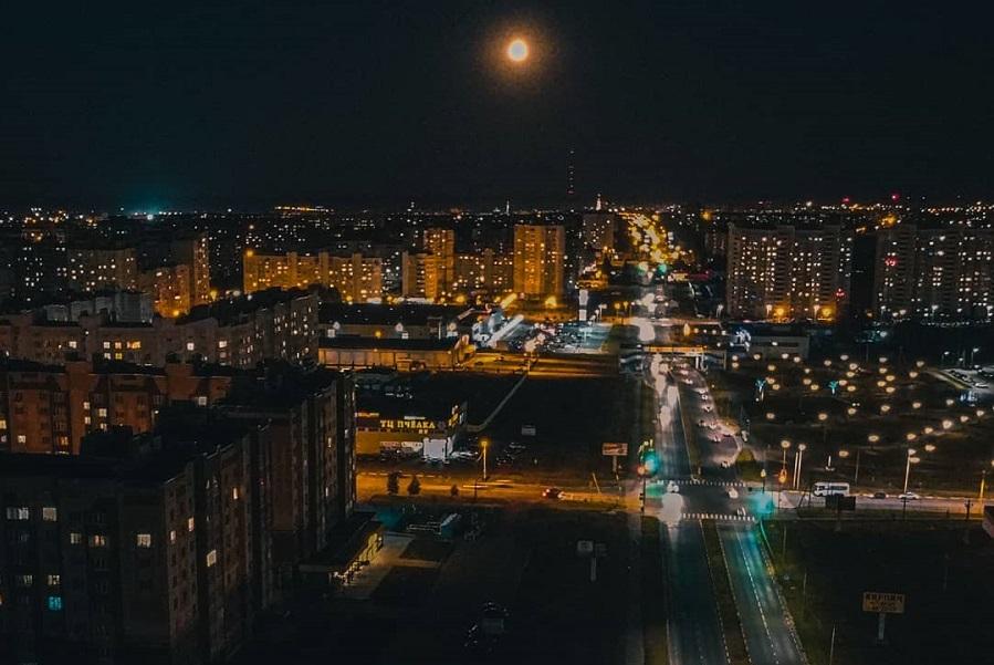 Ночной обзор: день тишины, новые правила сдачи экзамена на права, российская вакцина от COVID-19 направлена в регионы