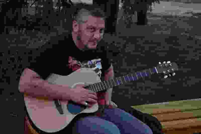Переход. Тамбовский уличный музыкант о том, как на него налетела толпа бабушек с криками: «Антихрист»