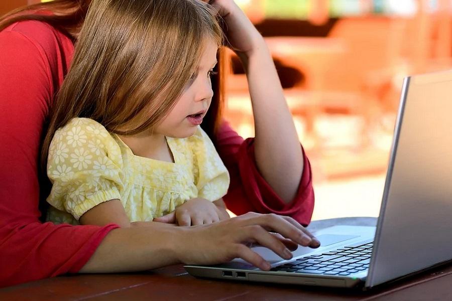 Путин заявил о необходимости развития онлайн-образования и после пандемии COVID-19
