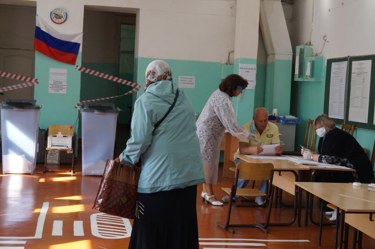 Репортаж с избирательных участков и фестиваля воздушных змеев. Финал: «Я буду ходить на выборы до конца своих дней!»