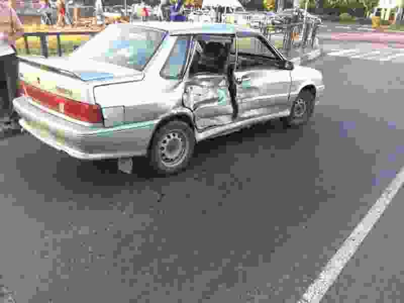 В аварии на Мичуринской пострадали двое детей и девушка