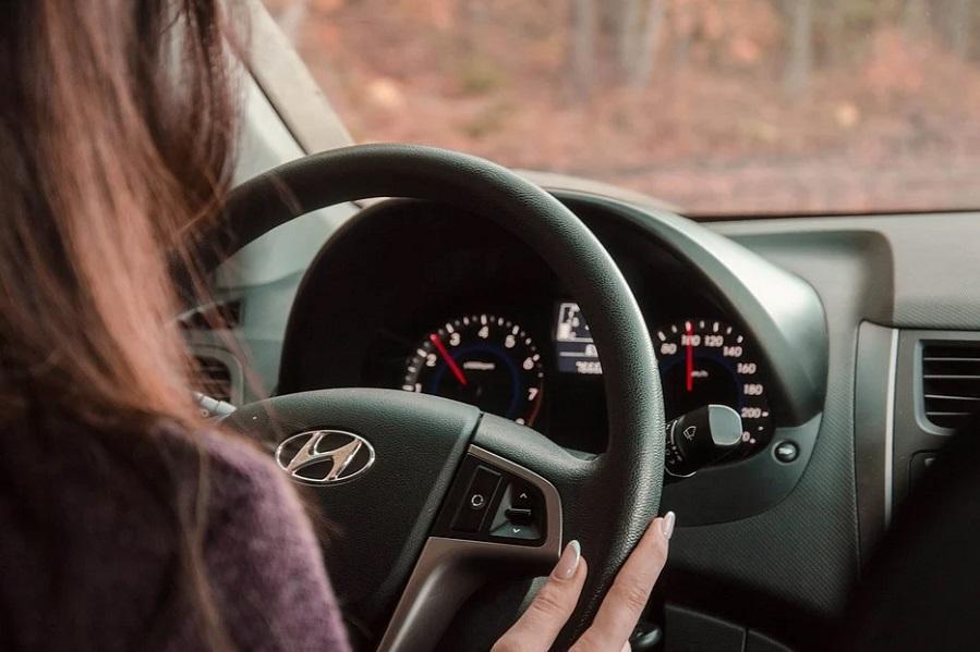 В России предложили разрешить водить автомобиль с 16 лет