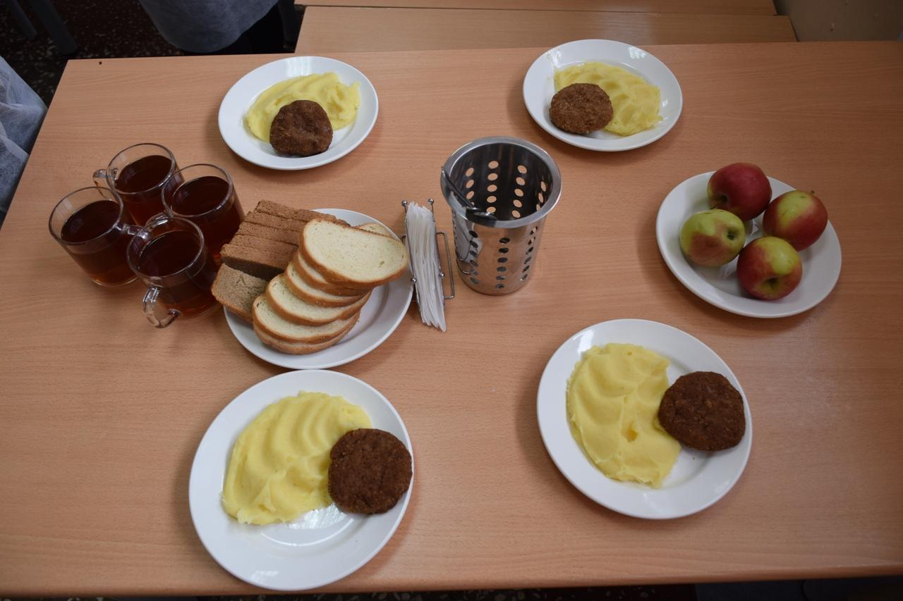 В Тамбове проверили, как в школах кормят детей