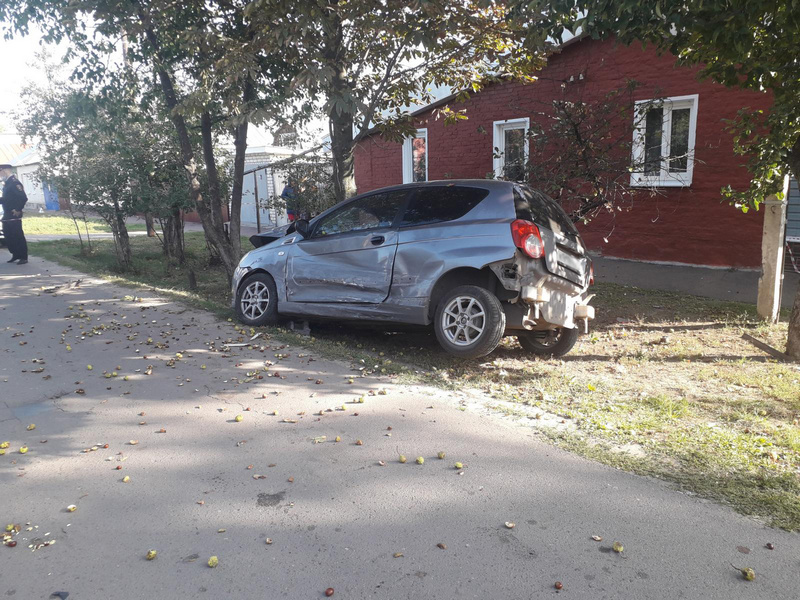 В Тамбове в аварии погибла 26-летняя девушка