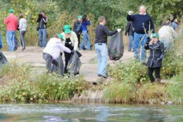 ВТамбовской области отмусора очистили 16километров береговых полос рекиозер