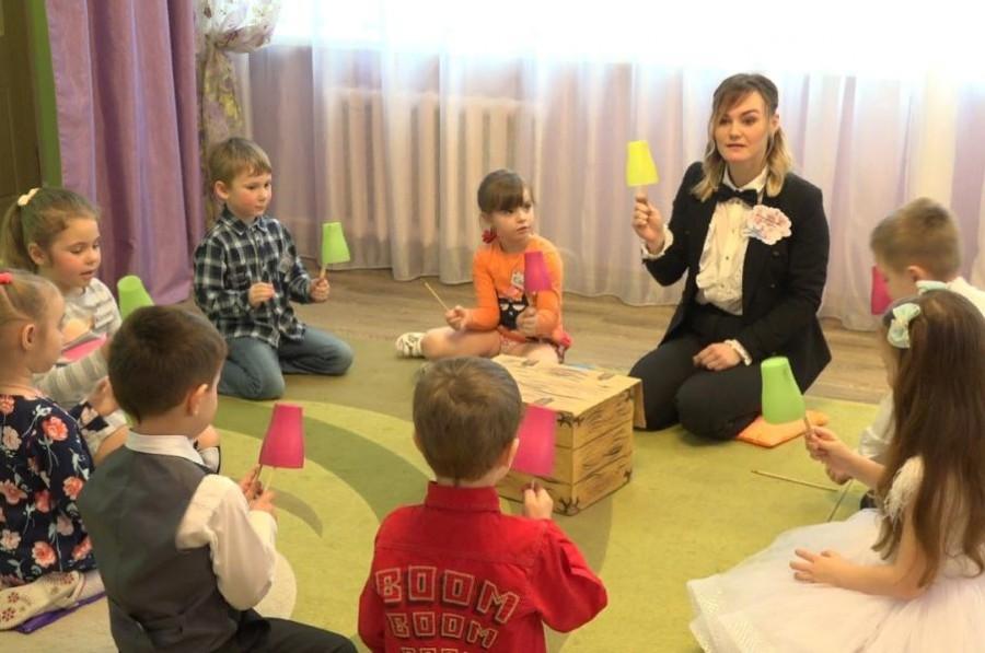 В Тамбовской области профессиональный праздник отмечают 3373 воспитателя