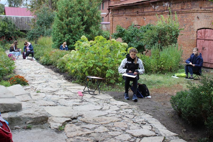 Юные художники посетили музеи Тамбовской области