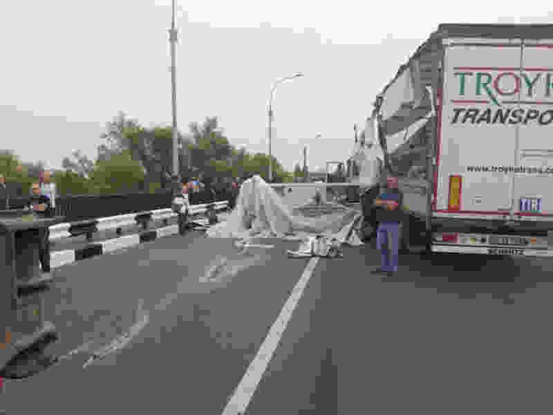 Деньги на восстановление дороги после падения с фуры 15-тонного станка на Рассказовском шоссе в Тамбове взыщут с перевозчика через суд