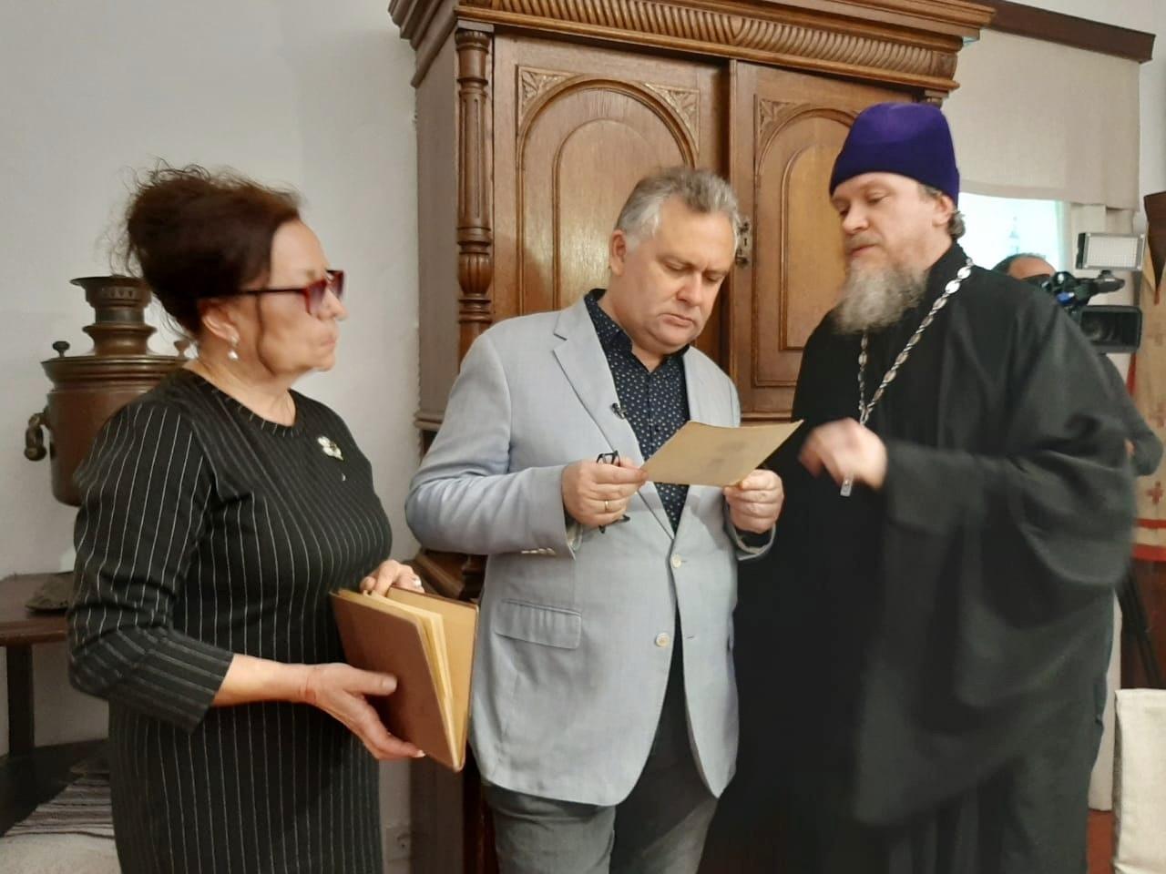"""Дом-музей архиепископа Луки посетила съемочная группа федерального канала """"СПАС"""""""