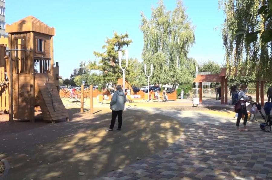 Глава Тамбова вновь приехала с проверкой в детский деревянный городок на Набережной