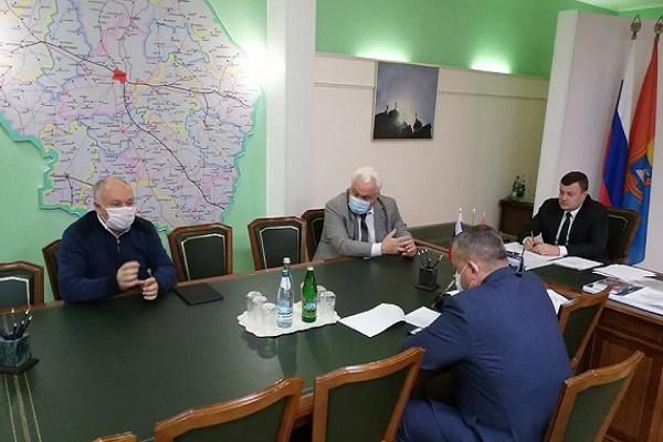 Губернатор Александр Никитин встретился с главами районов и городов области
