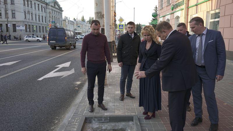Из-за высоких бордюров пешеходную зону на Советской придётся переделать