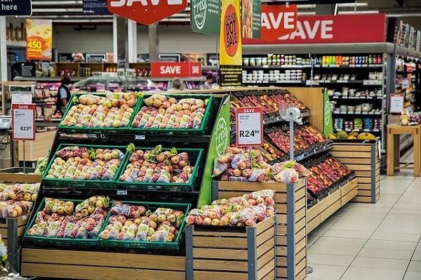 Минпромторг исключил вероятность дефицита продуктов и товаров в России