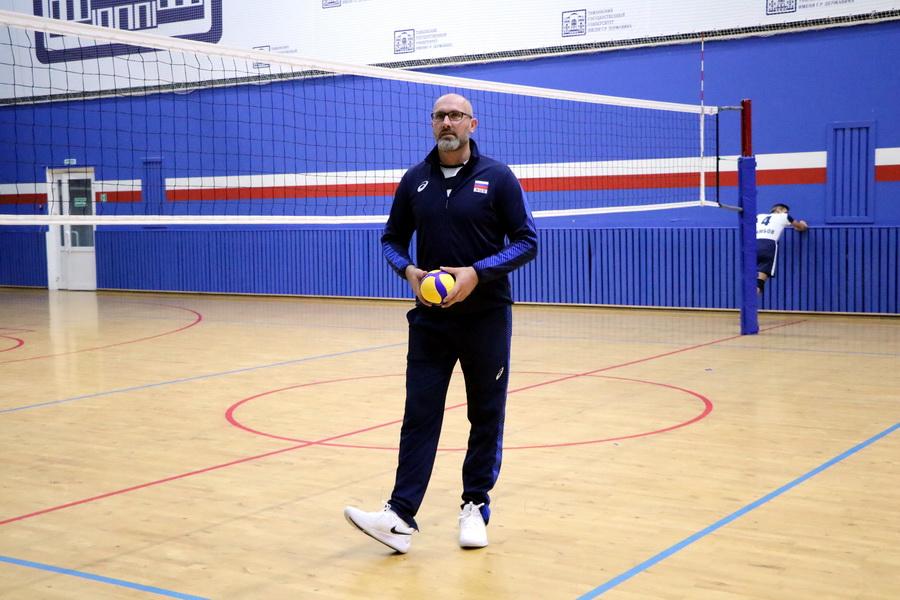 Олимпийский чемпион Сергей Тетюхин сыграл в Тамбове в волейбол