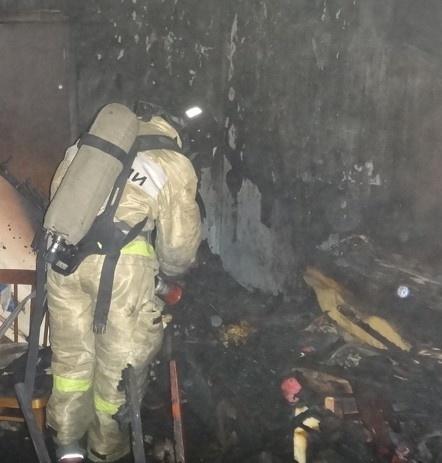 Разыскивается подозреваемый в поджоге квартиры с находящимися внутри тремя детьми