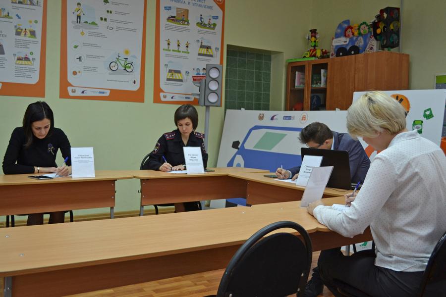 """Школьники из Сосновки выиграли региональный этап конкурса """"Безопасное колесо"""""""