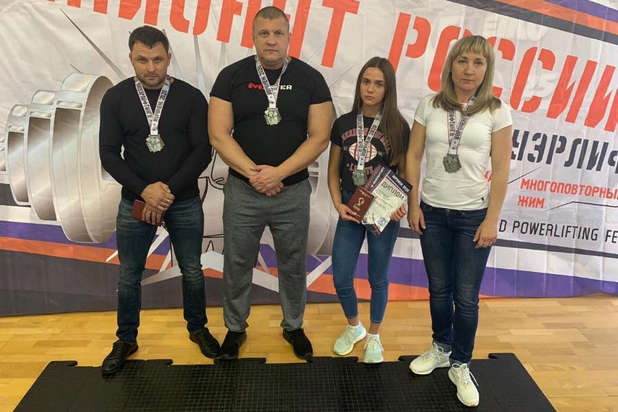 Тамбовские спортсмены установили рекорд России на чемпионате по пауэрлифтингу