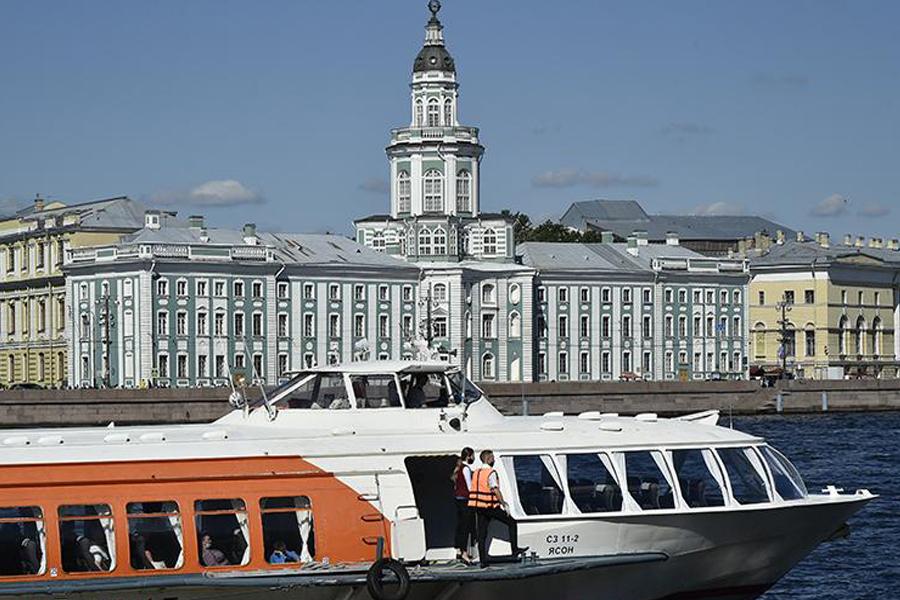 Турпоток в России может упасть на 50%