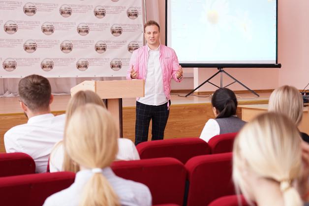 В Державинской гимназии стартовала серия открытых уроков по предпринимательству