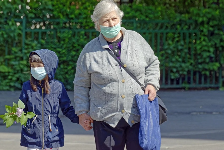 В Минздраве рассказали, когда можно отказаться от маски после вакцинации от COVID-19