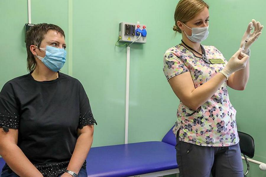 В Минздраве рассказали о сроках массовой поставки вакцин от COVID-19