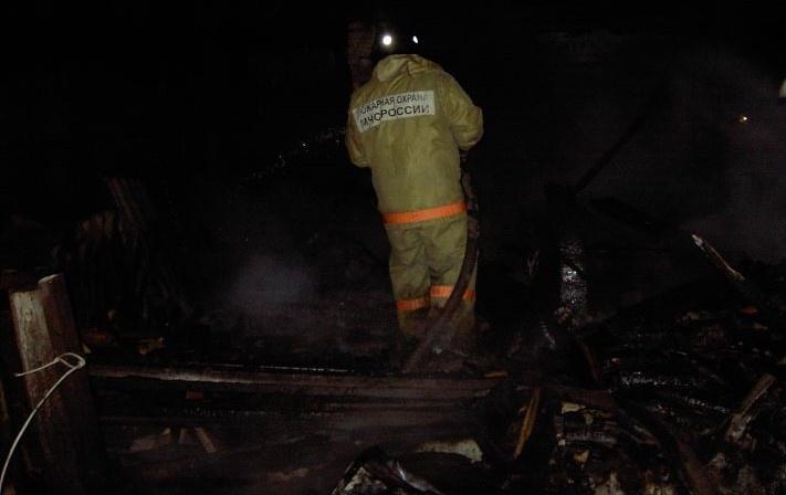 В Мордовском районе в пожаре заживо сгорели двое местных жителей