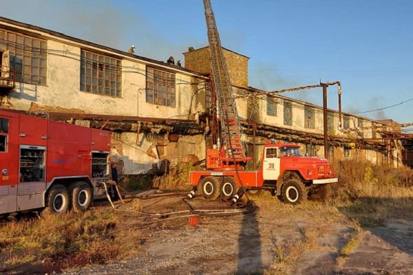 В Моршанске загорелся местный текстильный комбинат