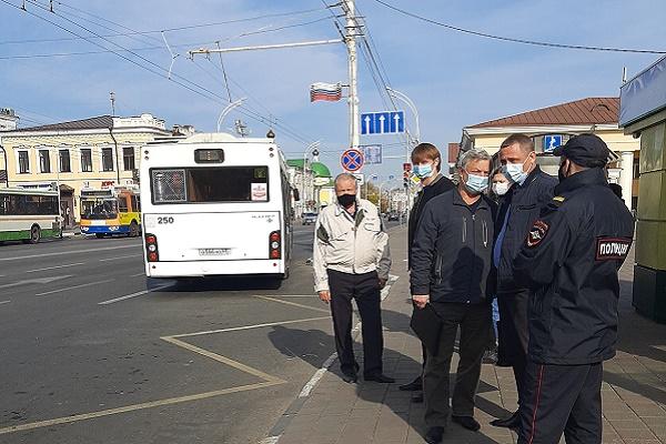 """В общественном транспорте проверяют соблюдение """"масочного режима"""""""
